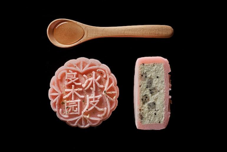 mooncake_Kiwi Dragonfruit Manuka Honey